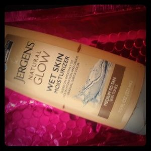 Jergens natural glow wet skin medium